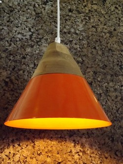 Lampara iron and wooden orange